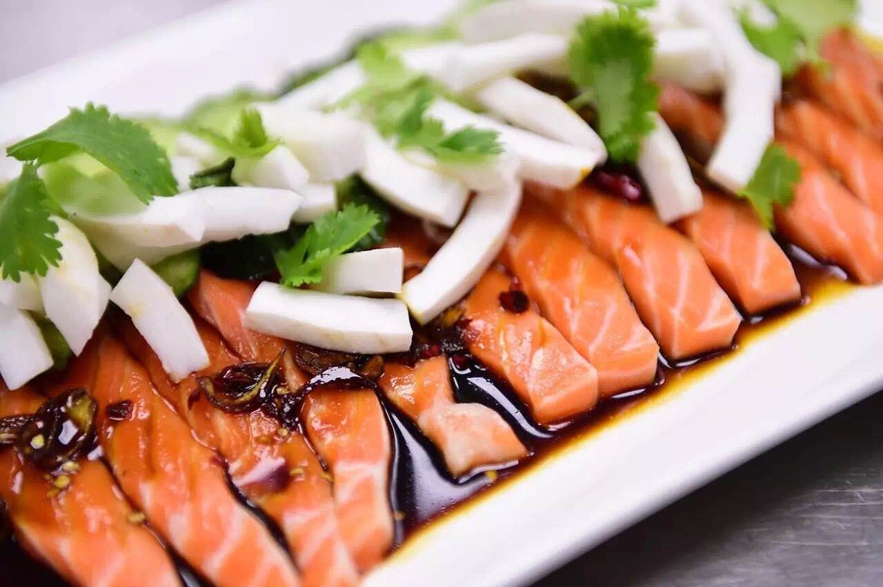 Salmon-Poke-with-Coconut